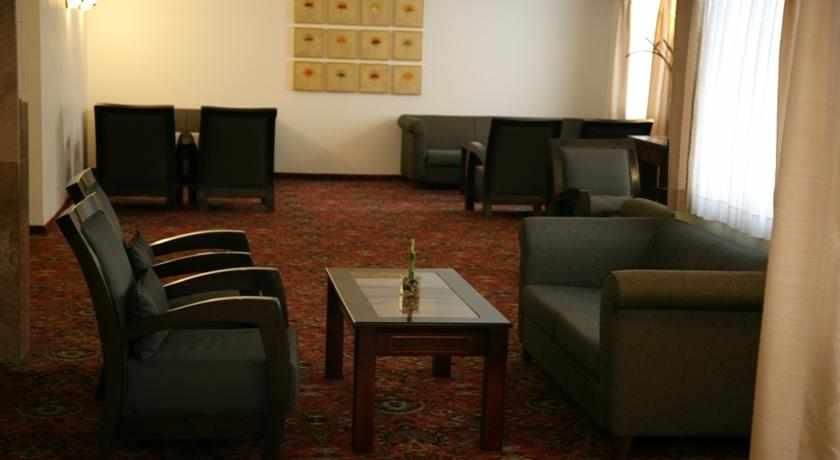 פינות ישיבה מלון קיסר פרימייר