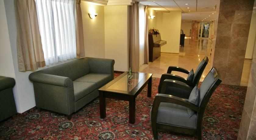 לובי מלון קיסר פרימייר