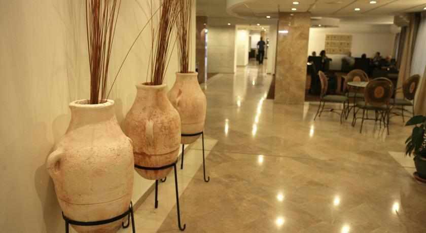 לובי מלון קיסר