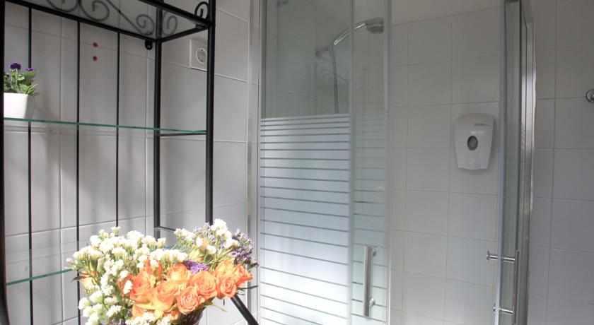 אמבטיה מלון עדן