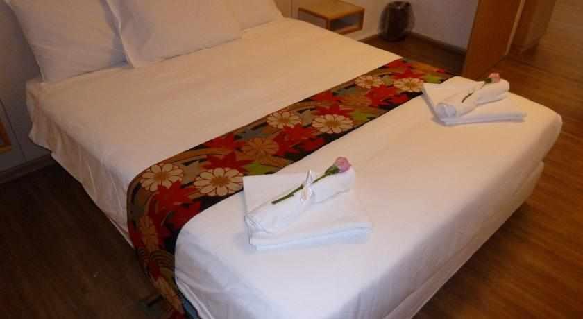 מיטה זוגית מלון עדן
