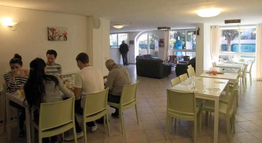 חדר אוכל מלון עדן