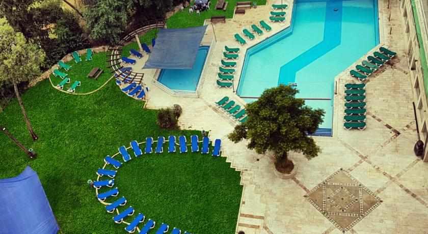 מדשאות מלון גני ירושלים