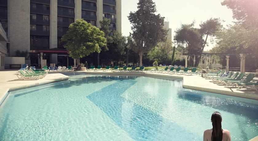 בריכה מלון גני ירושלים