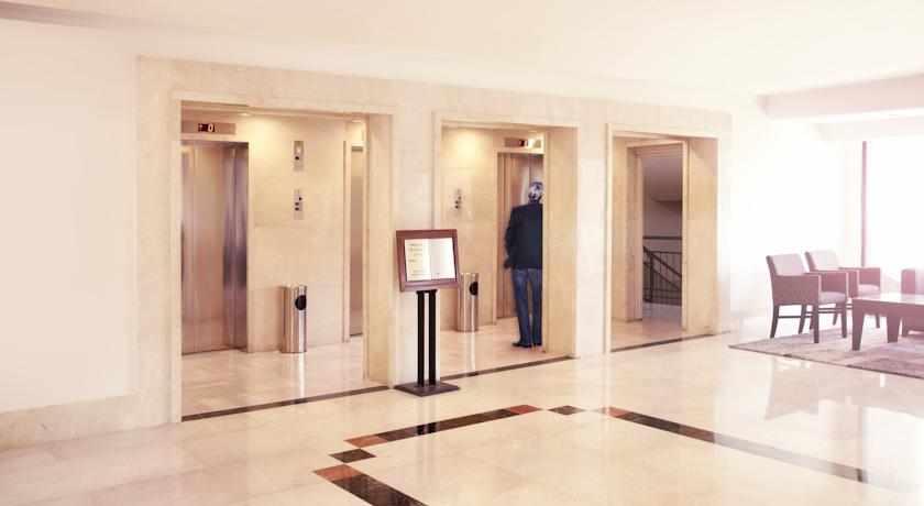מעליות מלון גני ירושלים