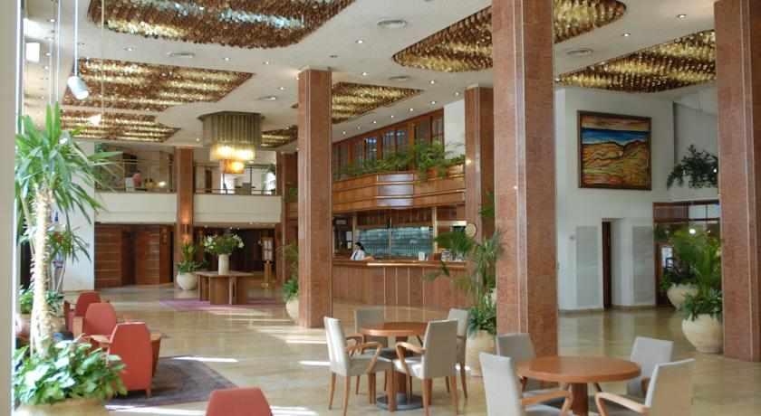 לובי מלון שערי ירושלים