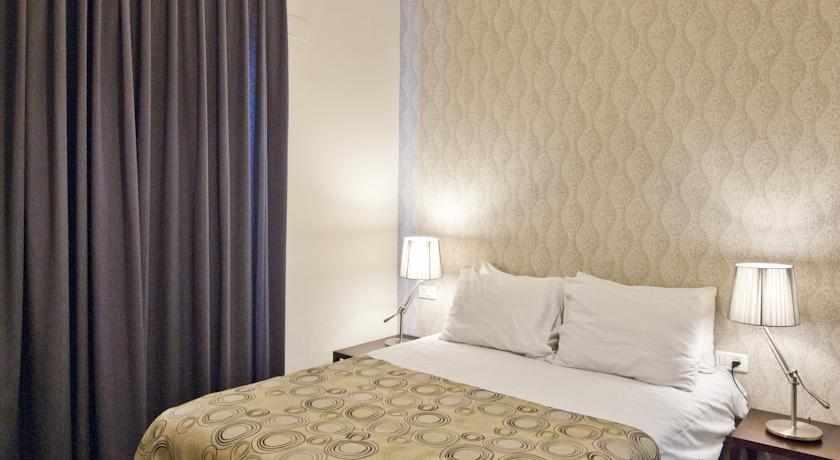 מיטה זוגית מלון ג'רוזלם אין