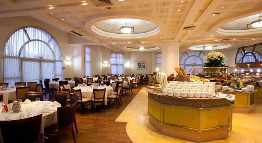 חדר אוכל מלון לאונרדו