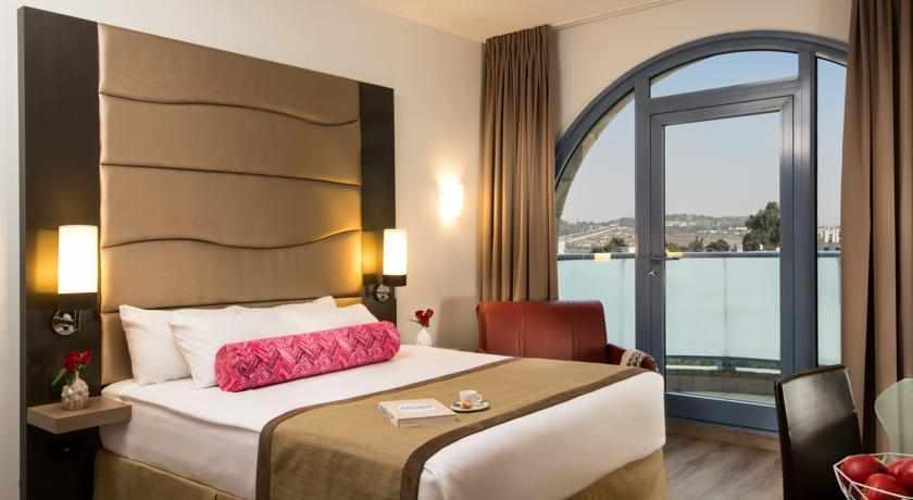 חדר זוגי מלון לאונרדו
