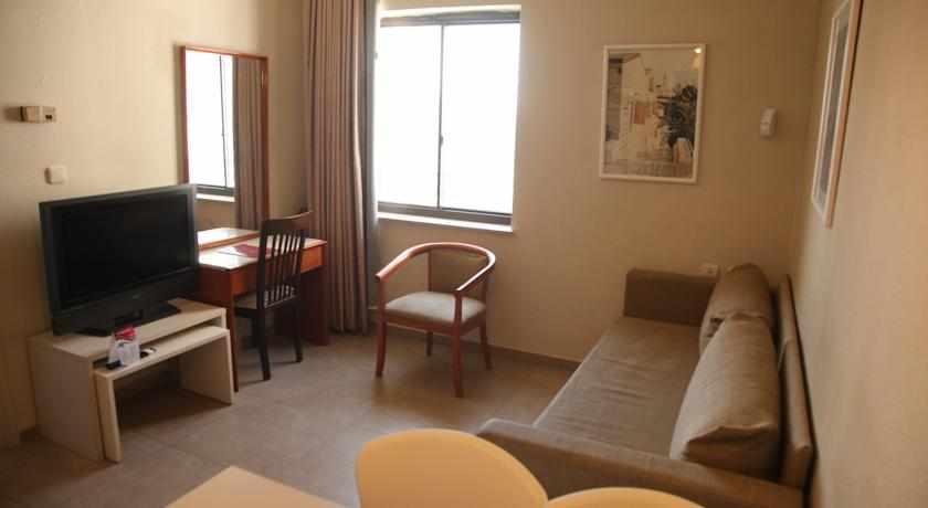 חדרים מרווחים מלון דירות לב