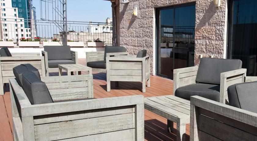 מרפסת גג מלון מונטיפיורי