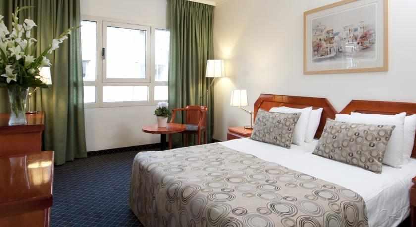 מיטה זוגית מלון מונטיפיורי