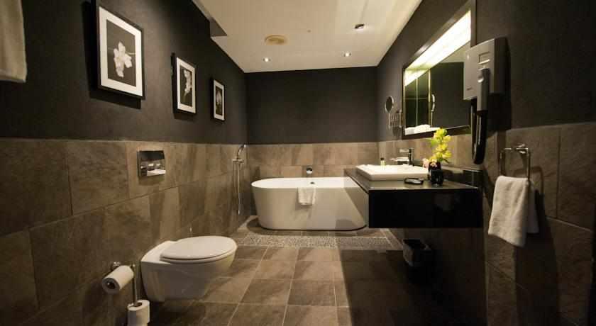 אמבטיה מלון מונטיפיורי