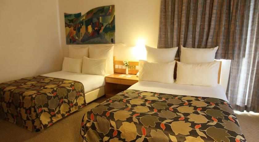 מיטות זוגיות מלון נווה אילן