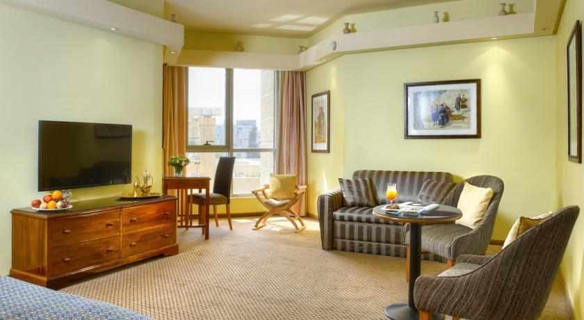 חדר מרווח מלון עץ הזית