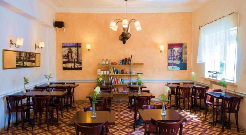 חדר אוכל מלון פלטין
