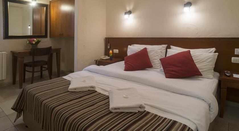 חדר סטנדרט מלון פלטין