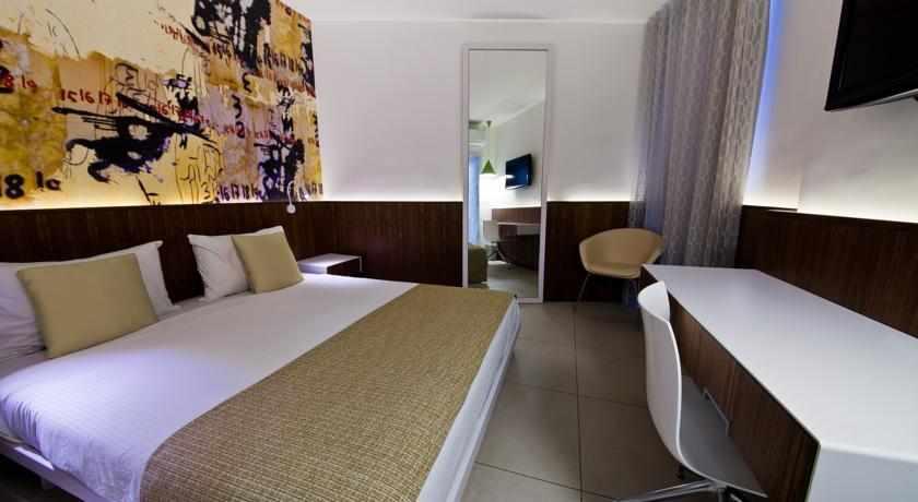 מיטה זוגית מלון מגדל